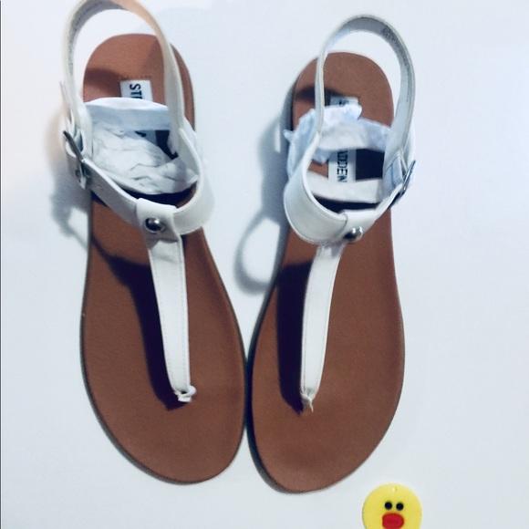 5287c943835 Steven madden Chaya leather white sandals NWT